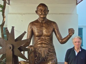 PAUL HODGE AND MAHATMA GANDHI IN NEW DELHI, INDIA